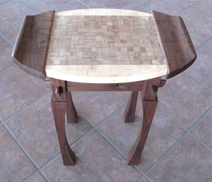 ../../images/woodwork/bonsi_table/bonsi_table.png