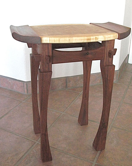 ../../images/woodwork/bonsi_table/bonsi_table2.png
