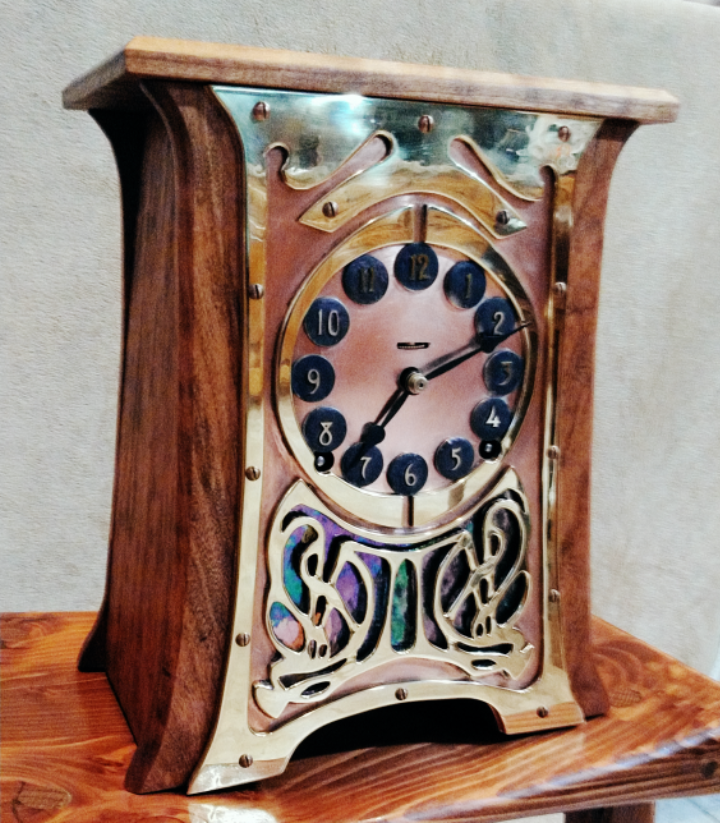 ../../images/woodwork/brass_clock/clock1.png