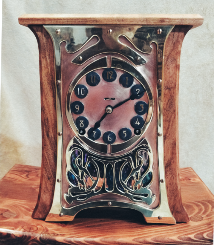 ../../images/woodwork/brass_clock/clock2.png